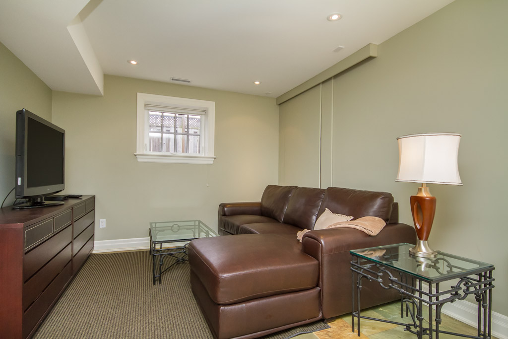 Niagara Falls Ontario Room For Rent All Inclusive