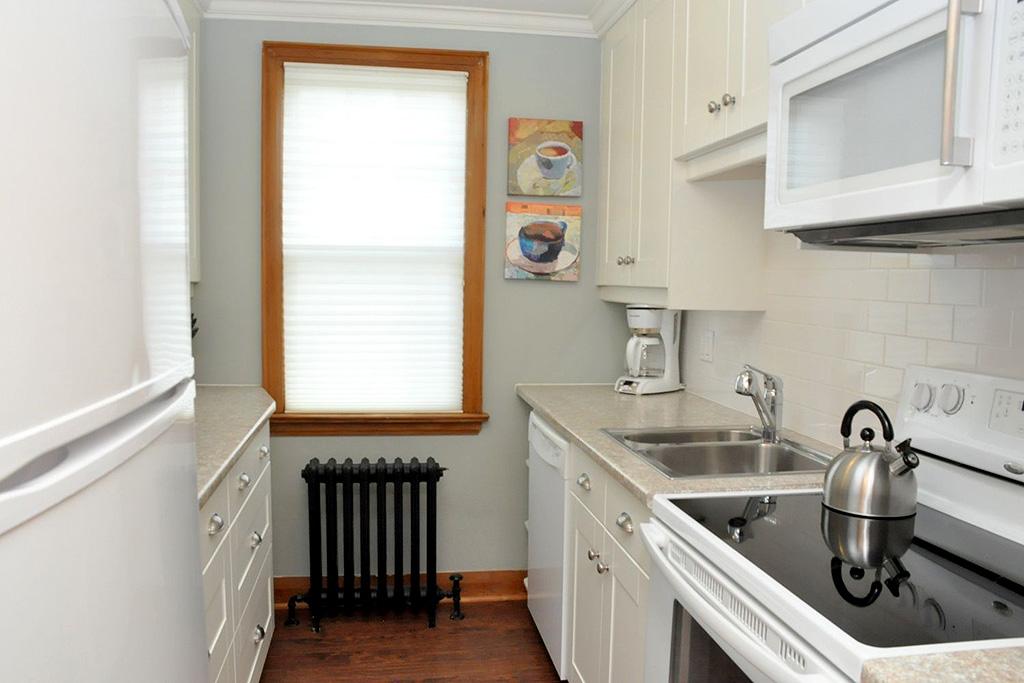 Hurd House Suite 5 Burlington Furnished Rentals