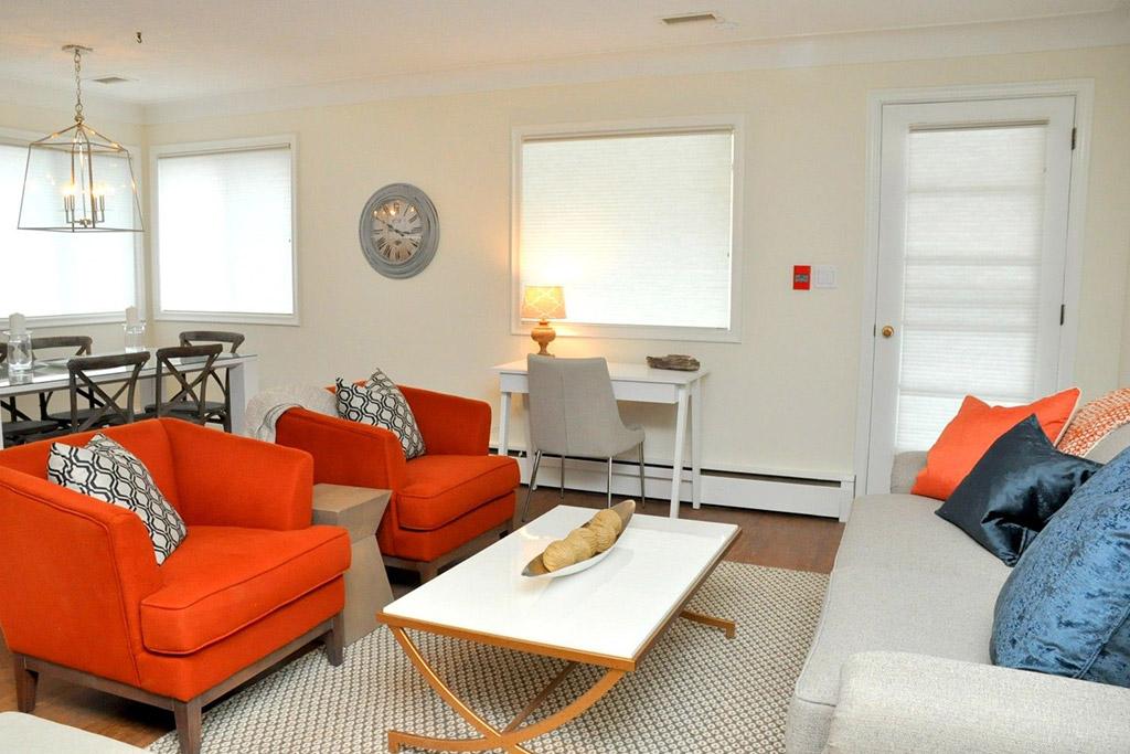 Lakeside House Suite 5 Burlington Furnished Rentals