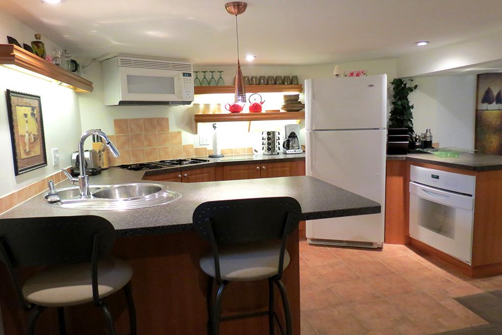 Emerson House Suite 2 Burlington Furnished Rentals