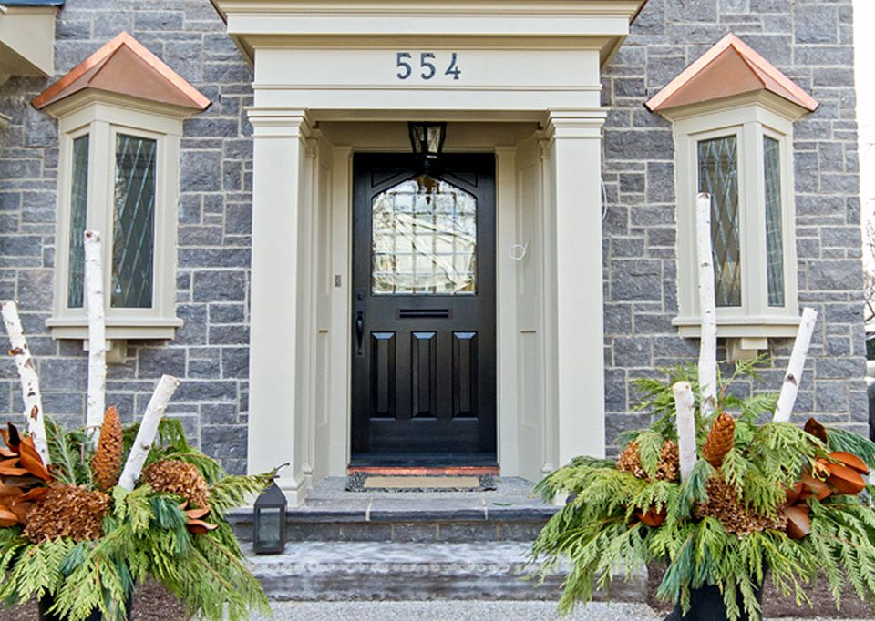 Front entrance to Tudor House suite 1 furnished rental in downtown Burlington