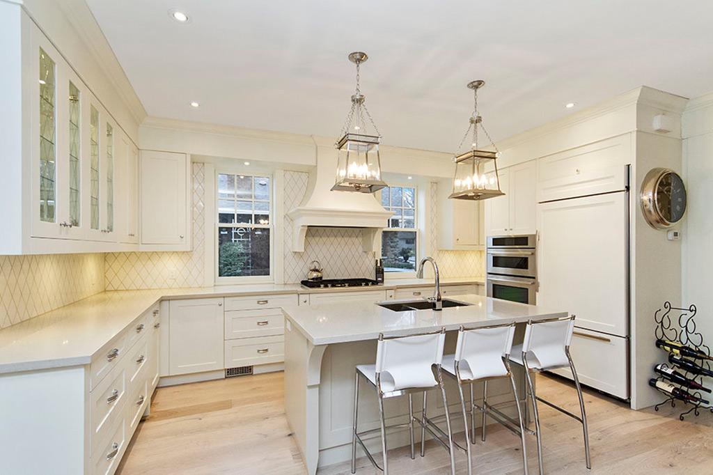 Kitchen in Tudor House suite 1 furnished rental in downtown Burlington