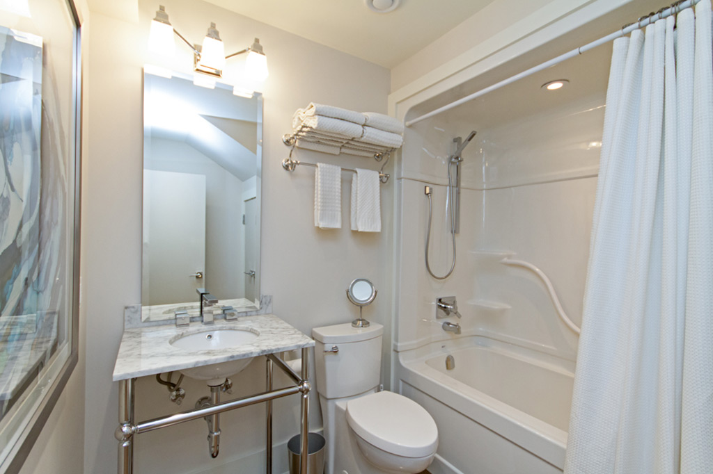 Bathroom in Tudor House suite 2 furnished rental in downtown Burlington