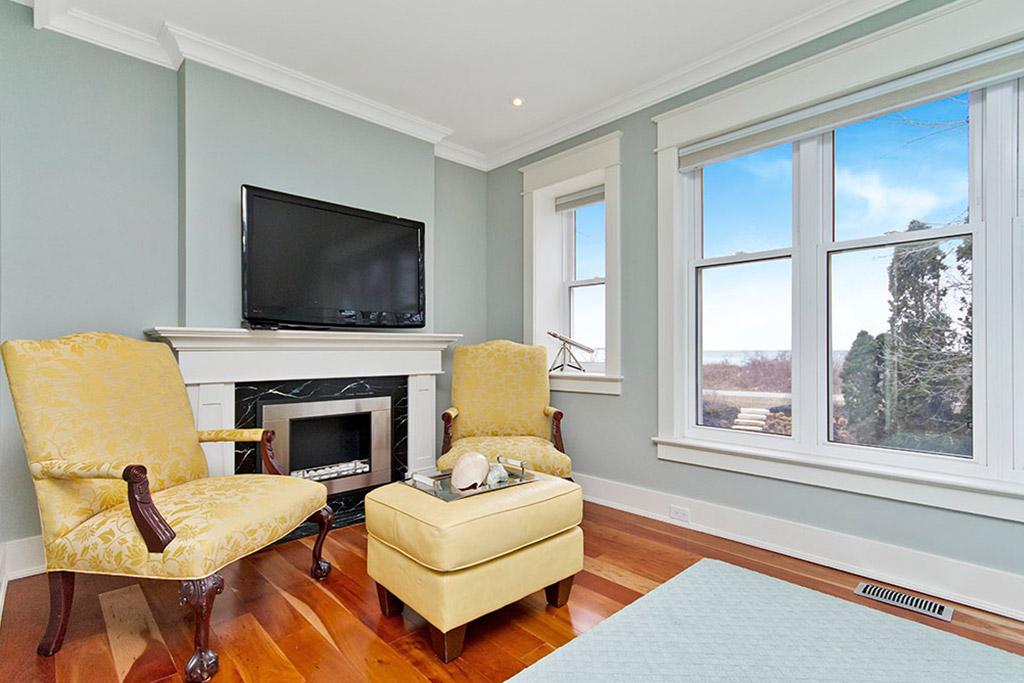 Master bedroom den of Burlington Lakeshore home rental.