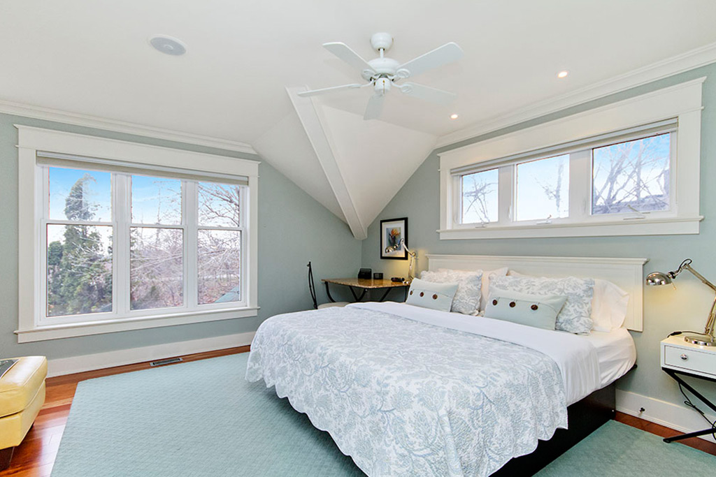 Master bedroom of Burlington Lakeshore home rental.