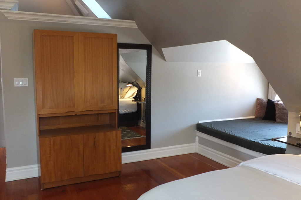 Bedroom in suite 4 of the Gingerbread House in Burlington.